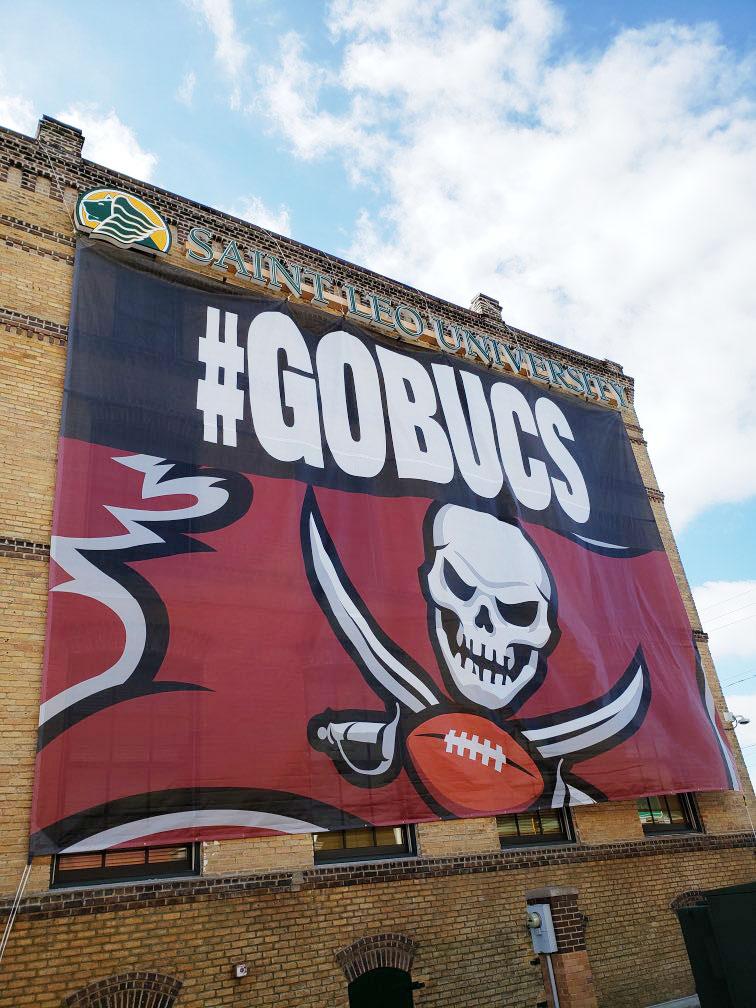 Banner-at-Tampa-center
